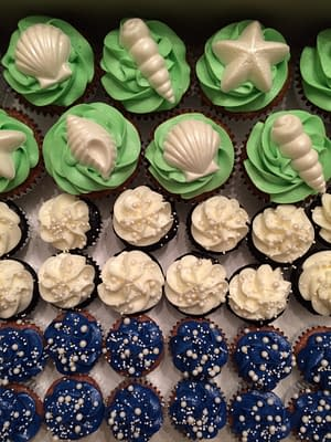 Seashell Cupcakes by Sierra Luther of Whisk Management